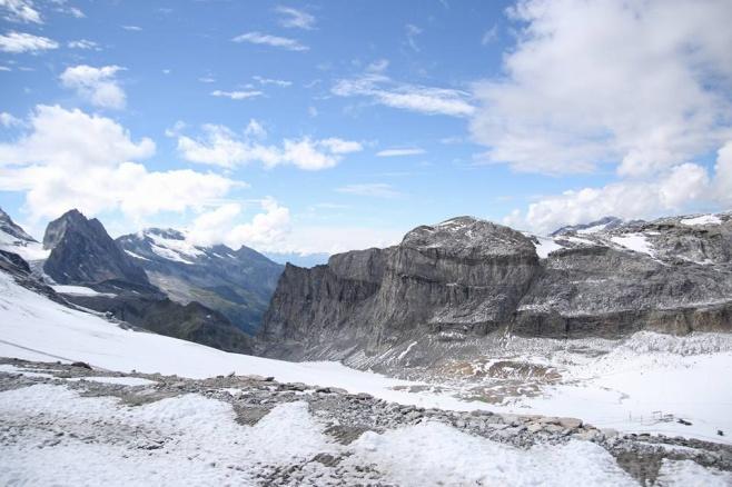 הרי האלפים הצרפתים דרך עדשת המצלמה