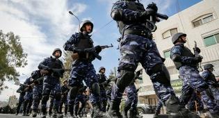 המצעד של כוחות הביטחון הפלסטינים בחברון • תיעוד
