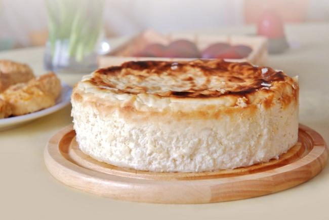 עוגת גבינה אפויה במרקם אוורירי משובח