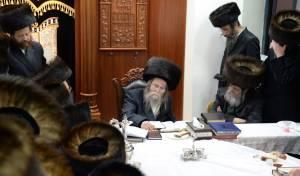 """האדמו""""ר מערלוי הפתיע את חסידיו בחיפה"""