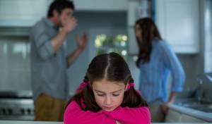 5 דברים שאסור לומר לאישה / לבעל ליד הילדים
