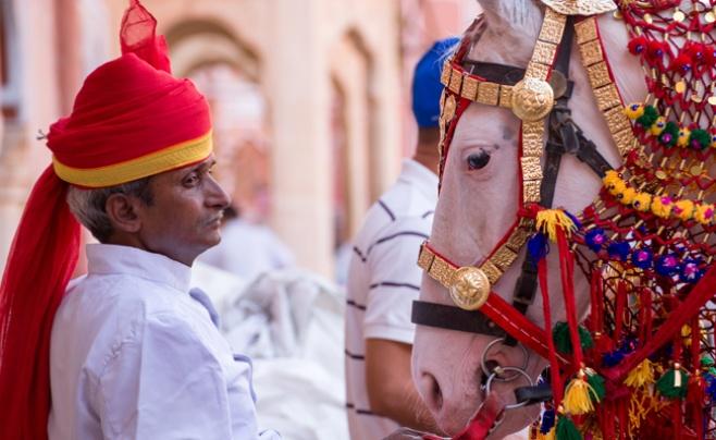 בתמונה הראשית: חתונה הודית. אילוסטרציה