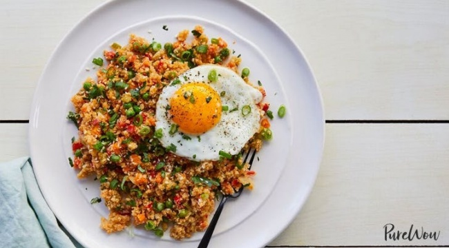 אורז כרובית עם ירקות ברוטב אסייתי פיקנטי