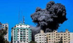 בניין בעזה נפגע מפצצת חיל האוויר - בשבוע שעבר