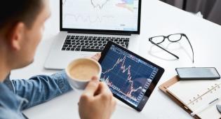 לא רק מניות: 4 דברים ששווה להשקיע בהם