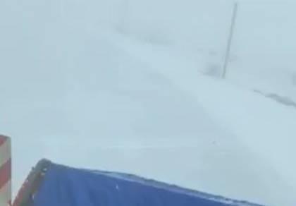 לראשונה החורף: פתיתי שלג ירדו בחרמון
