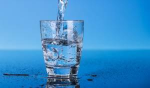 הדס מיניבר, מים קרים ומרעננים גם בשבת. אילוסטרציה
