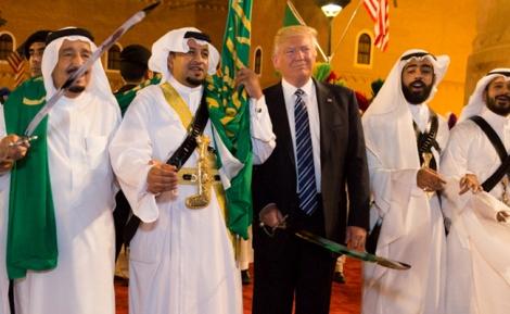 """טראמפ בסעודיה - """"עסקת הנשק בין ארה""""ב וסעודיה - פייק ניוז"""""""