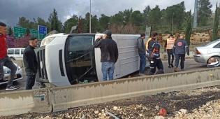 כביש 9: רכב התהפך בכניסה לרמת שלמה