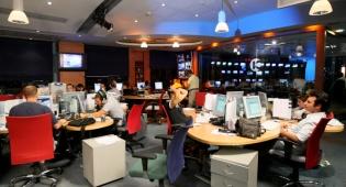 אולפן 'חדשות 10'. ארכיון - עיתונאי 'חדשות 10' מתנערים מדבריו של סדן