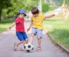 לא תאמינו: מומחים ממליצים לתת לילדים לשחק ללא השגחה