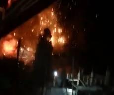 צפו: מטוסי קרב מפציצים בניינים ברצועה