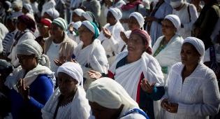 מאות נשים אתיופיות בחג הסיגד. למצולמות אין קשר לנאמר בכתבה