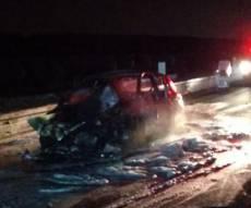נהג נהרג בהתנגשות, אך נמצא דקור ברכבו