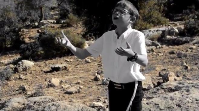 """ילד הפלא נתנאל מנת בקליפ חדש - """"אלוקי"""""""