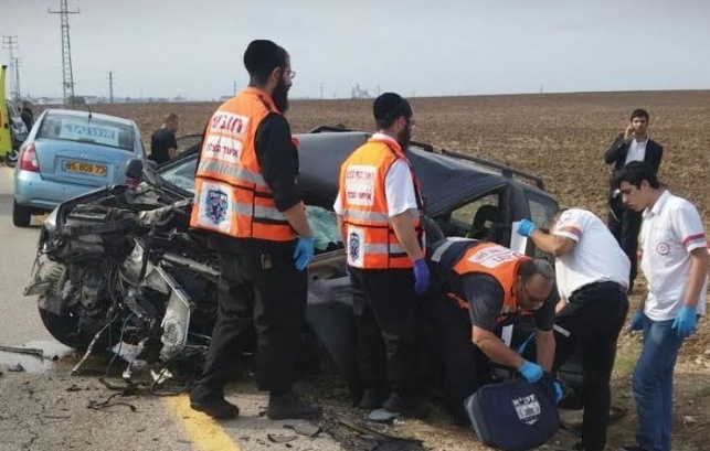 כוחות ההצלה בזירת התאונה