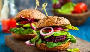 המבורגר צמחוני מקינואה וסלק