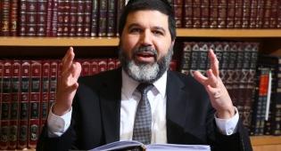 הרב אופיר מלכה מסביר: דין סוכה תחת מזגן