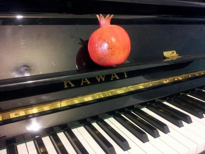 מחרוזת משירי ראש השנה בגרסת הפסנתר