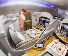 מטוס של חברת אמירטס - מבפנים