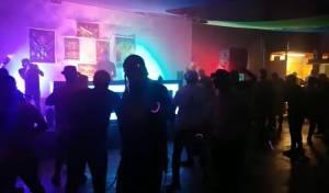 כך חגג הנוער הבני-ברקי את ליל פורים. צפו