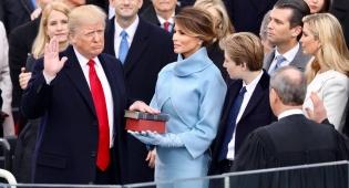 מלניה טראמפ. צנועה ומתוחכמת - מלניה טראמפ: לוק צנוע אחד שווה אלף מילים
