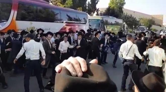 כך 'משמר הכנסת' נלחם במפגיני 'הפלג' • צפו