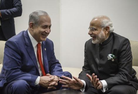 נתניהו עם ראש ממשלת הודו - דיווח: הודו שוקלת לרכוש טילים מישראל