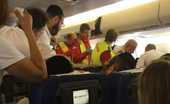קידוש השם: חרדי הציל חיי נוסע במהלך טיסה