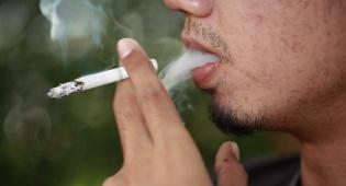 למבוגרים בלבד - איפה לא תוכל לעשן בקרוב אם אינך בן 21?