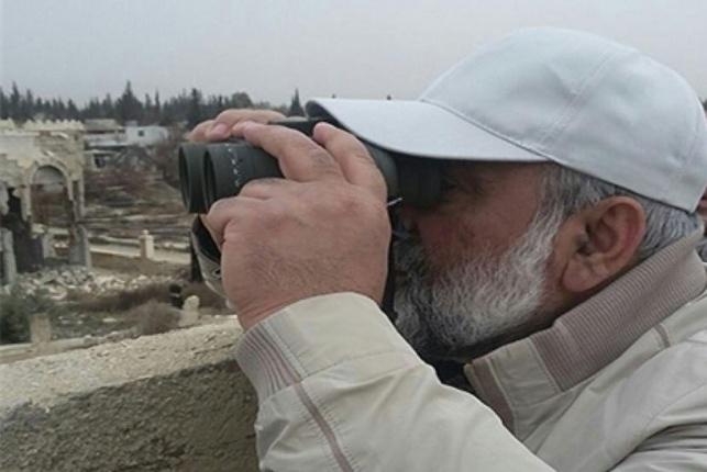 מפקד הבסיג', המיליציה האיראנית, משקיף מהגולן הסורי