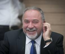 שר הביטחון ליברמן - יוקל הליך ההתאזרחות של גויים - ניני יהודים