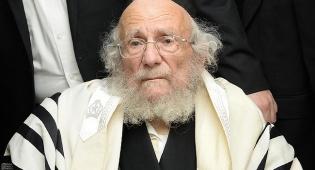"""רבי יעקב אדלשטיין זצוק""""ל - 'מגדלור של תורה והשקפה, העתיר תפילות'"""