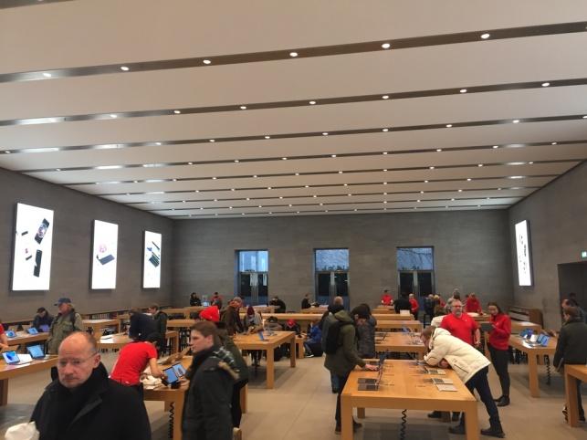 שוויץ: שפכו חול על אייפון X ומנעו אסון כבד