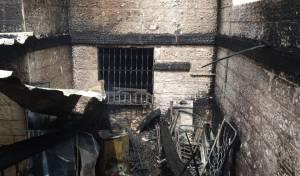 שריפה פרצה בדירה; אם וילדתה נפצעו קל