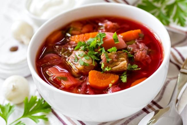 מרק בורשט מסורתי עשיר ומלא טעם - לכבוד שבת: מרק בורשט חורפי ופוטוגני