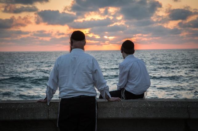 חרדים בתל אביב, אילוסטרציה