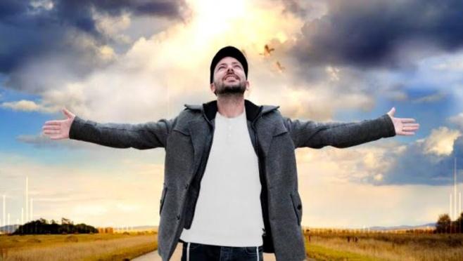 """מאור נוף בסינגל חדש: """"חוזר אליך"""""""