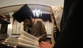 תיעוד: קריאת המגילה בשכונת מאה שערים
