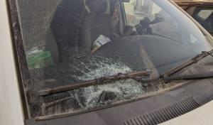 הזוי: משפחה ספגה סלעים; האב ירה - ונחקר
