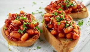 ארוחת הבוקר של השף הבינלאומי: תבשיל שעועית ועגבניות עם צנימים