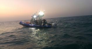 השוטרים חילצו גולש שנסחף לעומק הים • צפו