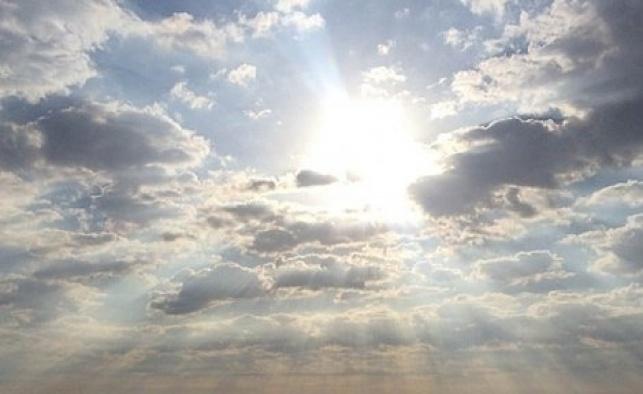 התחזית: היום חמים, ממחר סערת אובך וגשם