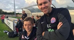 הילד הזה הפך למאמן כדורגל כבר בגיל 11