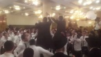 הבחורים רקדו לצלילי הג'ינגל של 'עץ'. צפו