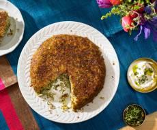 פשטידת אורז וכרישה עם עשבי תיבול - פולו סבזי