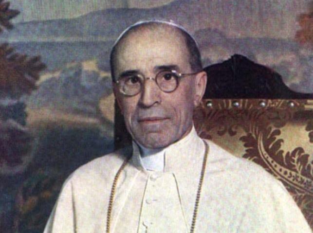 האפיפיור ששתק מול הזוועה