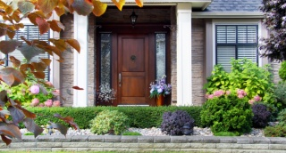5 דרכים לא יקרות לשדרג את הכניסה לבית