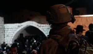 כ-2,000 מתפללים נכנסו לקבר יוסף • תיעוד