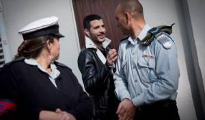 גל, בכניסה למשפט אזריה בבית הדין הצבאי - שרון גל חוזר לתקשורת: יגיש ב'גלי ישראל'